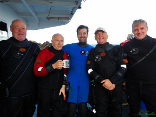 Divers on Oceanic