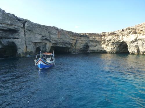 Scata Manja caves
