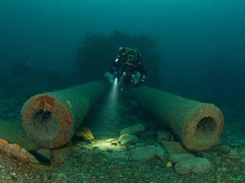 SS Audacious,, sunk in 1914. This is a classic shot of the 13.5-inch (343 mm) Mark V gun, which remains on the seabed.